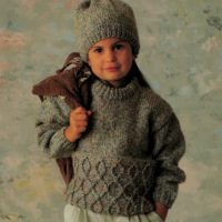 Patons 1020 - Child's Jumper & Hat