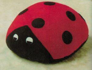 Sirdar108-28 Ladybird Cushion