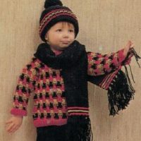 Sirdar 108-39 Winter Outfit image2